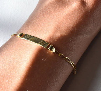 Gold filled chain bracelet, perfect for everyday wear.