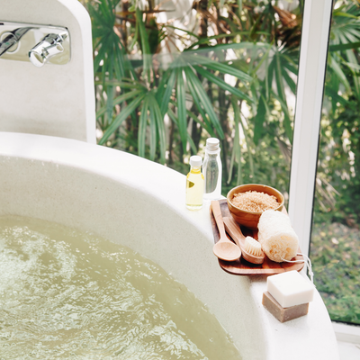 Blog - 6 Essentials for the Perfect Bath