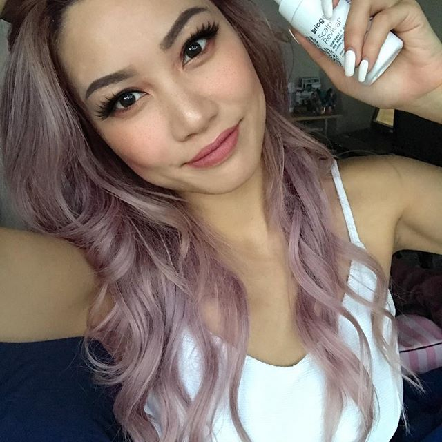 <p>Just found the perfect product for colored hair. For those who are team unicorn know that we can't wash our hair every day, so Briogeo's Dry Shampoo is a godsend. Makes your hair feel clean while maintaining your color. </p>