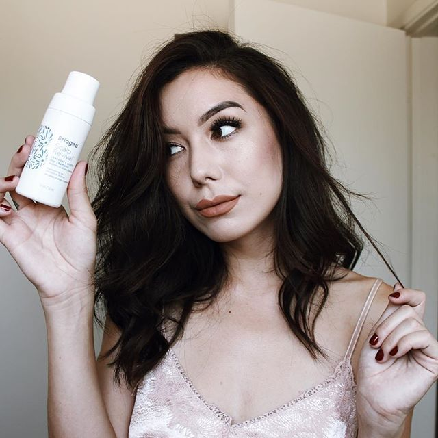 <p>I've been using the Briogeo Scalp Revival Dry Shampoo and it's bomb. I like that it's a powder form so it doesn't make my hair feel heavy. PLUS it has biotin which is amazing for your hair. It's a win/win situation.</p>