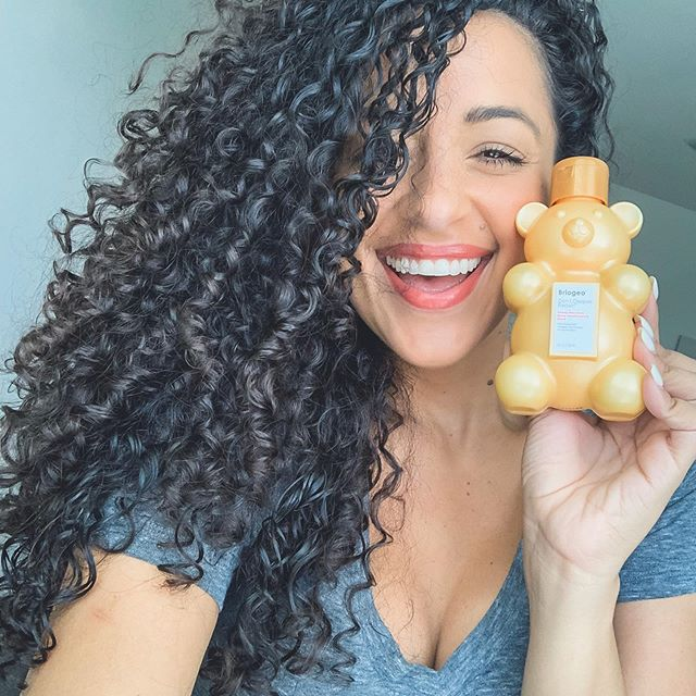 <p>Shameless good-hair-day selfie! I wasgiftedthis BriogeoDon't Despair, Repair!™ Deep Conditioning Mask and its quickly become my favorite! I MEAN LOOK AT THEM CURLS! It's a deep conditioning mask that you apply after shampooing and leave on for 5 -10 mins!<br /> ⠀<br /> Here's my little trick though - I don't rinse it completely and I'll add a little more to style it! My hair THRIVES off of leave-ins! Nomsayin?! So many of you ask what I use for my hair and here it is! LOL this has been a staple for me lately.</p>