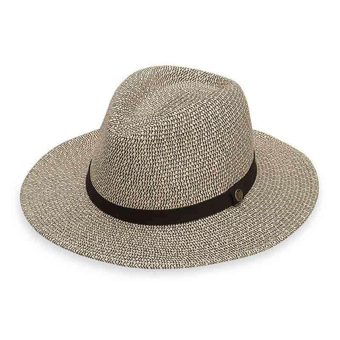 Outback Wide Brim Golf Hat by Wallaroo Hats