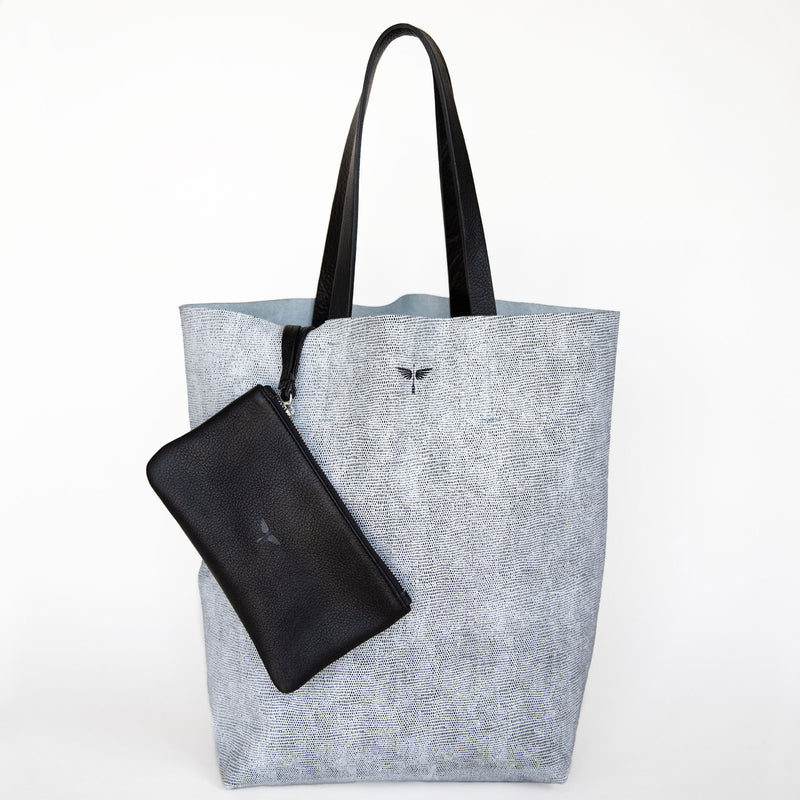 calandria tote in komodo grey with black pouch