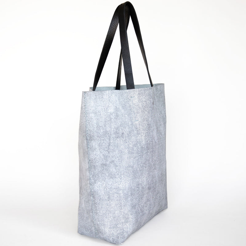 calandria tote in komodo grey