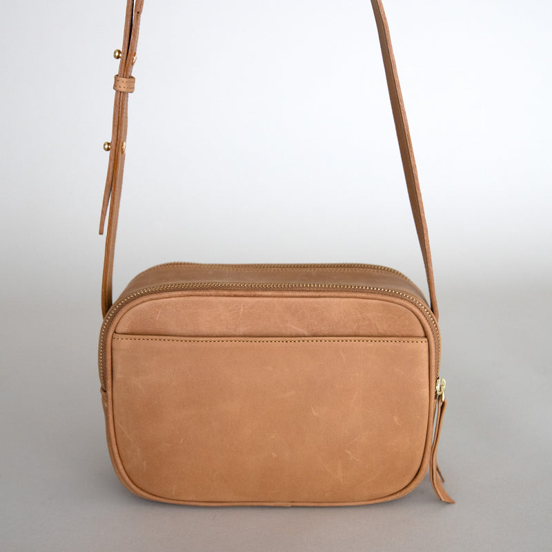 Cruz crossbody in aged tan from back