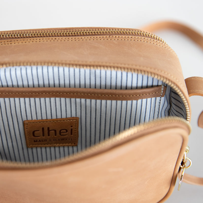 Cruz crossbody in aged tan inside view