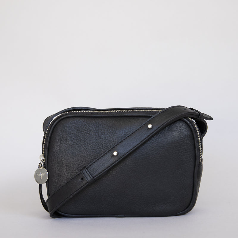Cruz crossbody in black from front