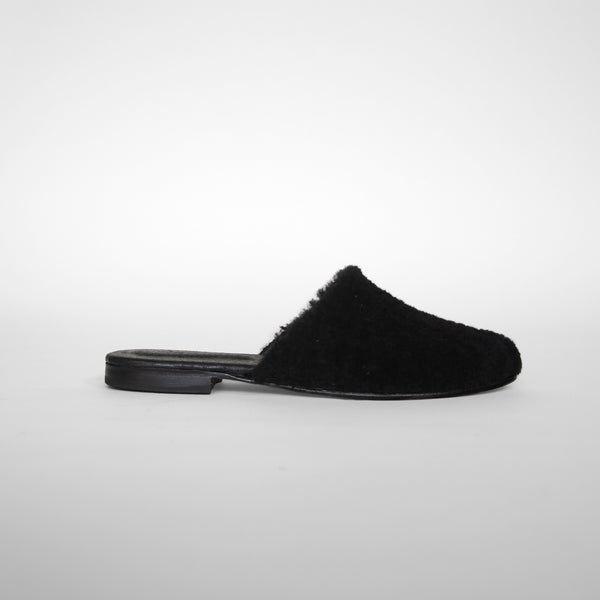Catalina mules in black from side