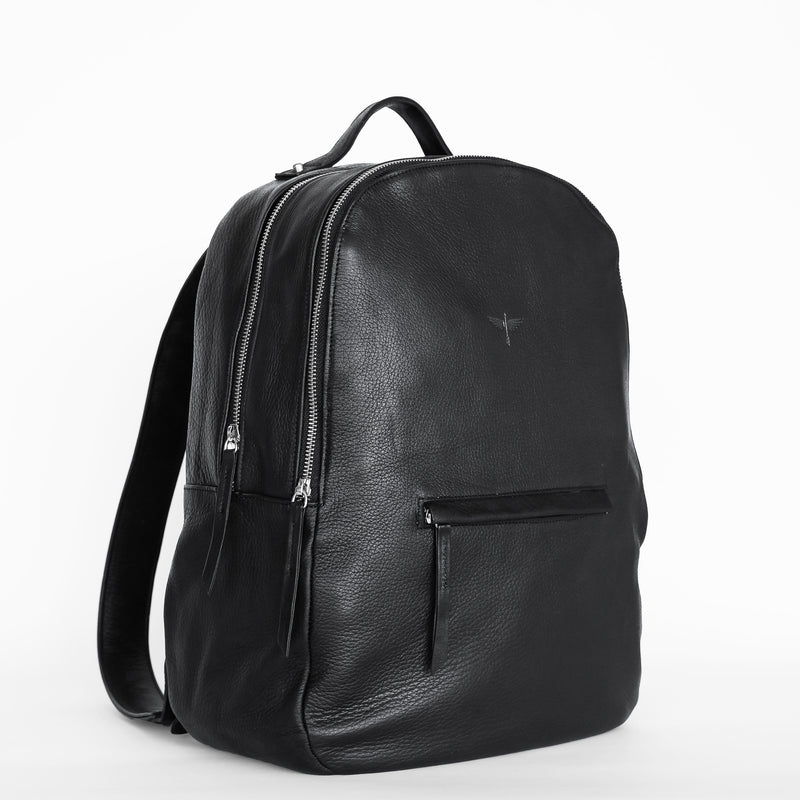 Gaucho backpack in black from side
