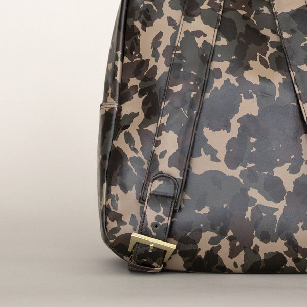 Gaucho backpack in Camo rear detail