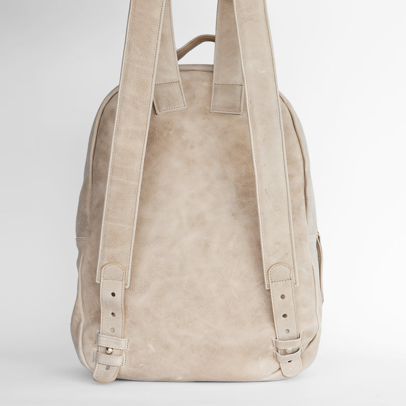 Gaucho backpack in Latte from back