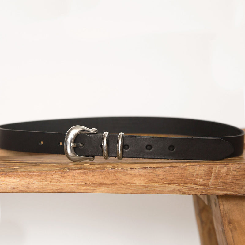 Laurel belt in Black from front