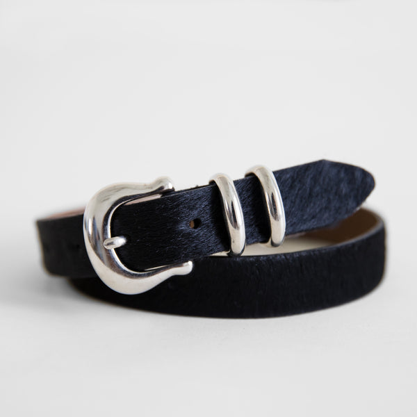 Laurel belt in Black Cowhide from front