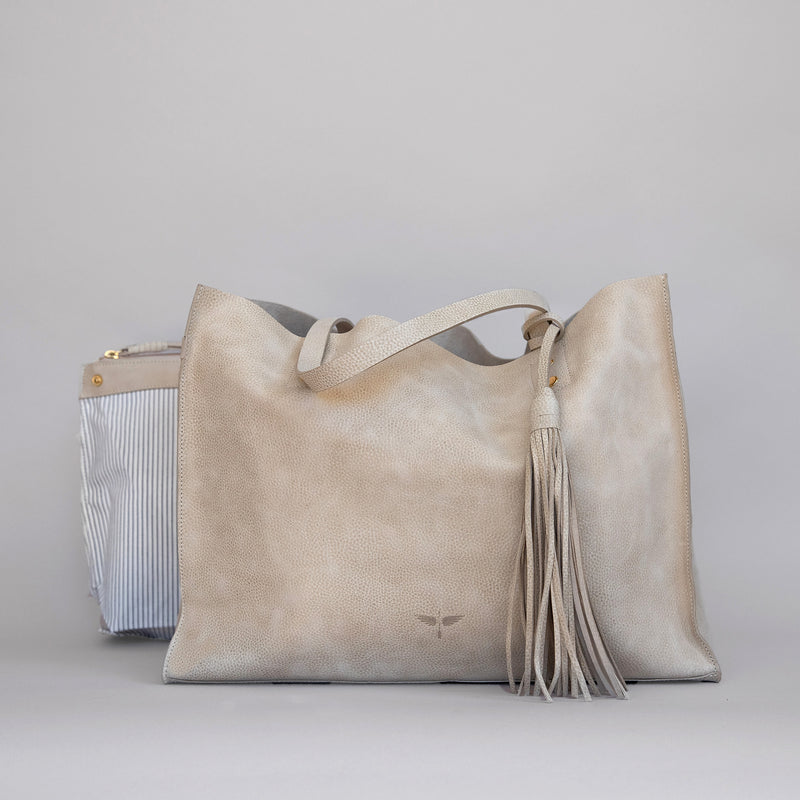 Pampa Handbag in Latte - Front photo with pouch