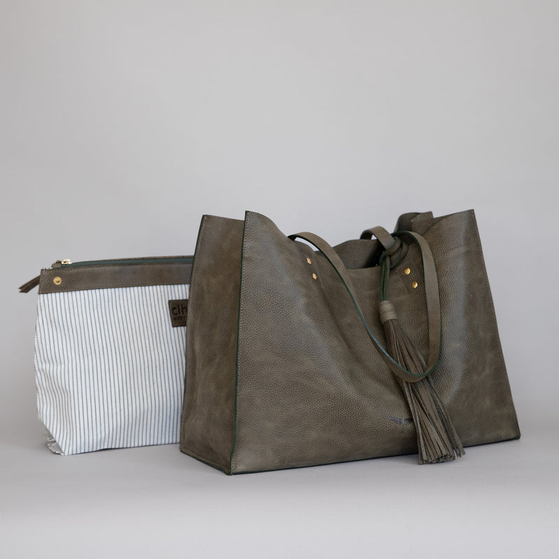 Pampa Handbag in Military -Side photo with pouch