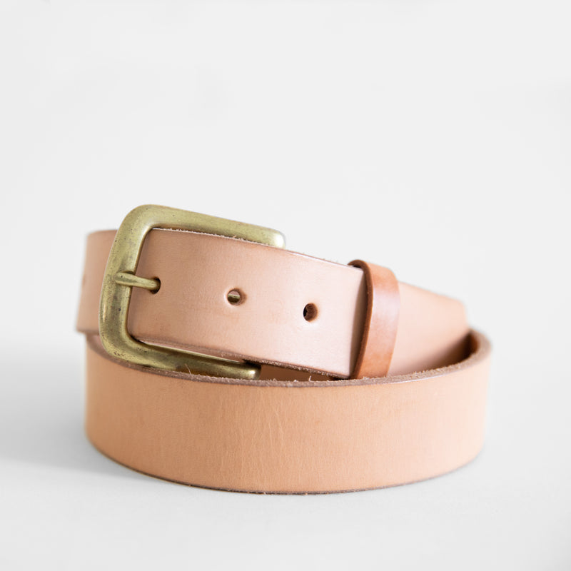 Tilo belt in Natural from front