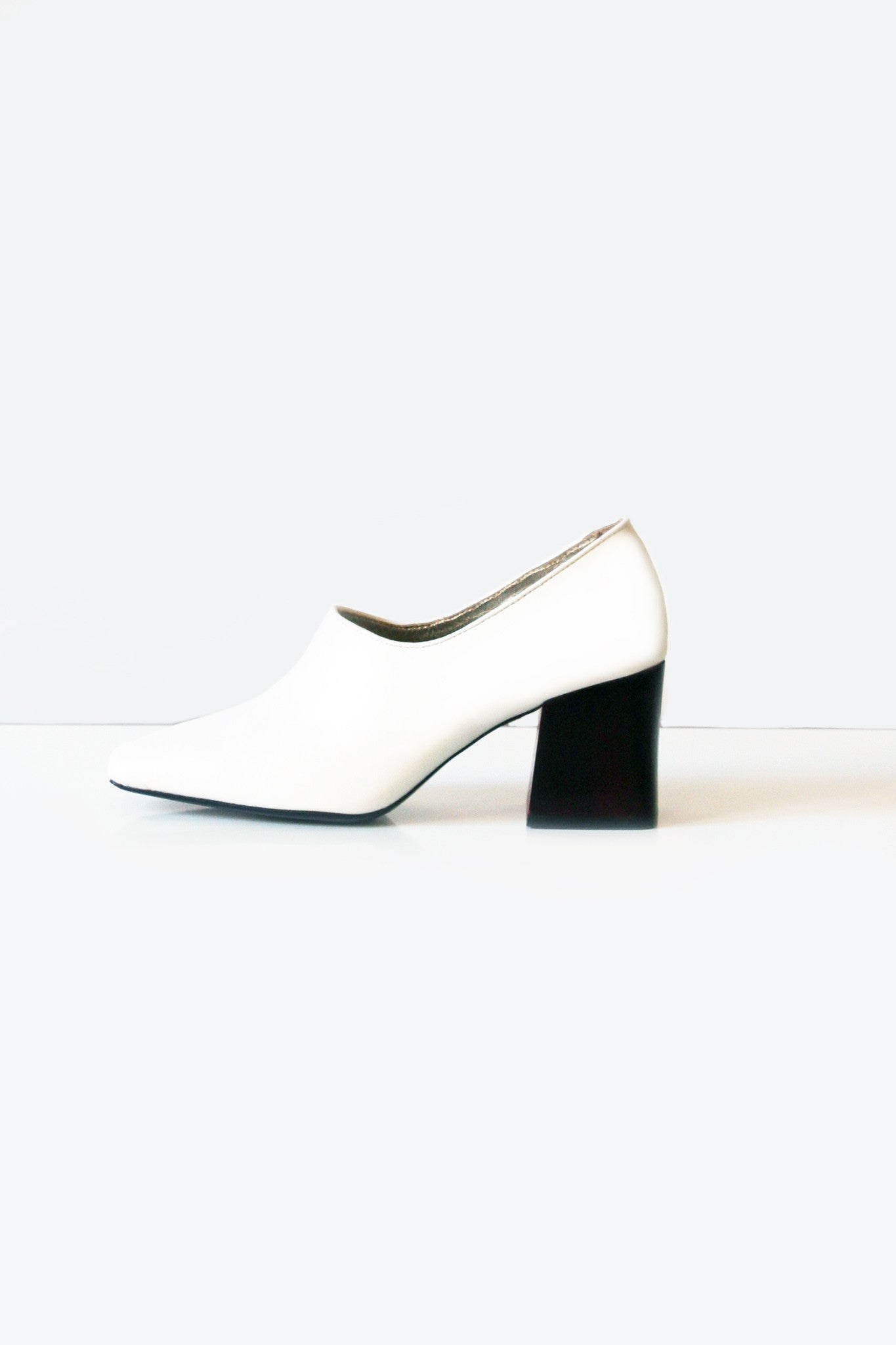 Pump Wood Heel - White