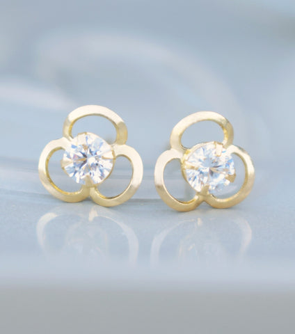 9ct Gold Open Flower Stud Earrings, earrings - Katherine Swaine