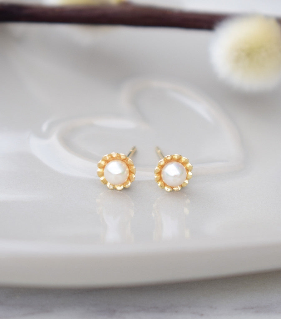a544bc7b1 9ct Yellow Gold Scalloped Flower Stud Earrings, earrings - Katherine Swaine