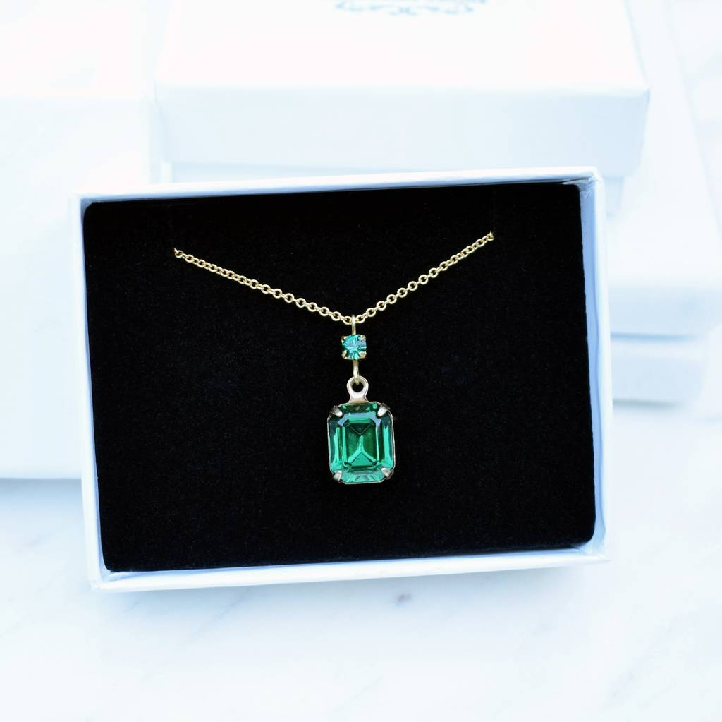 Vintage Emerald Green and Gold Pendant Necklace
