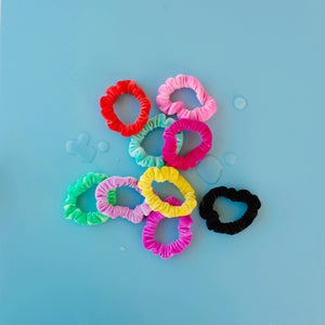 Waterproof Scrunchie // Dive