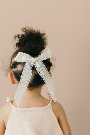 Ribbon Bow // Oma