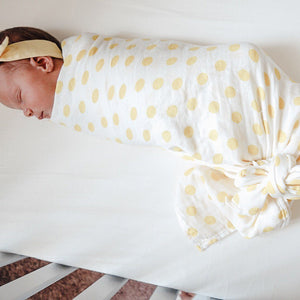Swaddle // Daisy Dot