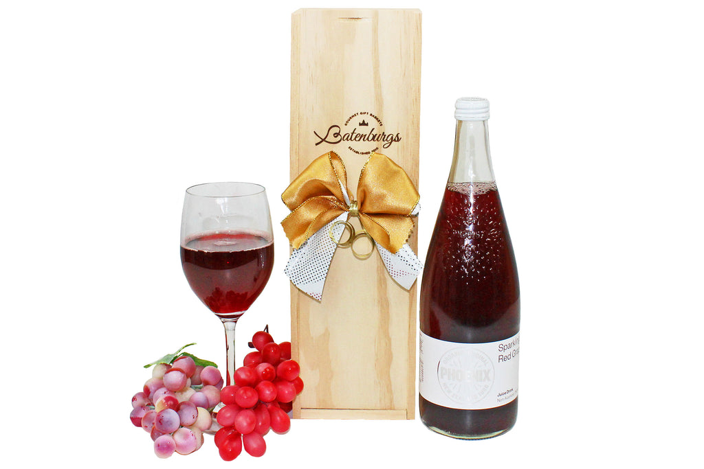 Gift box of alcohol-free organic sparkling grape juice delivered NZ wide by Batenburgs Gift Hampers