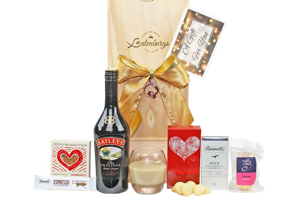 Gift hamper with Bailey's Liqueur, fudge, chocolates, shortbread and melting moments delivered NZ wide. Batenburgs Gift hampers.