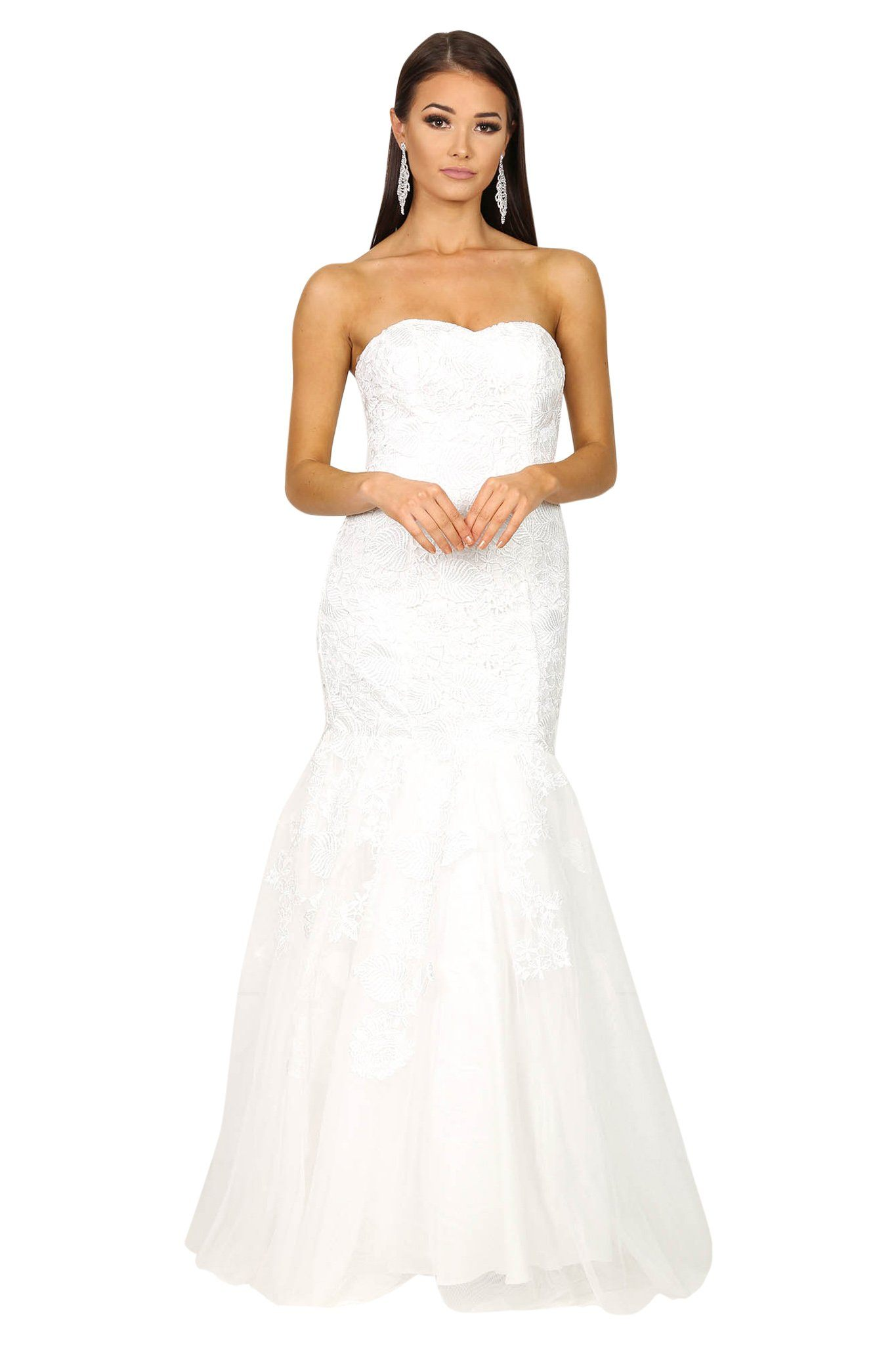 White sleeveless wedding dress features fit/flare silhouette, sweetheart neckline and ruffled mermaid skirt