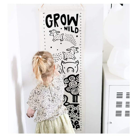 Wee Gallery Canvas Growth Chart - Farm Animals