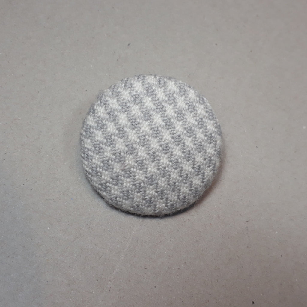 Grey and white houndstooth brooch
