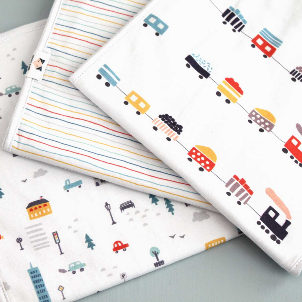 Baby burp cloth set - urban boy