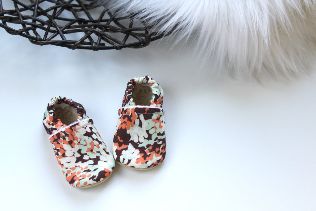 baby booties, soft sole baby shoes, baby moccs, soft sole baby moccs, baby slippers, newborn shoes, crib shoes, slip on baby shoes, baby girl shoes