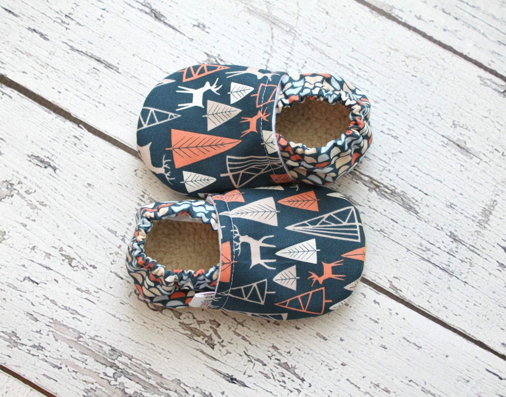 Soft sole baby moccasins, baby booties, soft sole moccs, baby moccasins, fabric baby booties, crib shoes, baby boy booties, baby boy moccs, slip on booties, boy baby booties