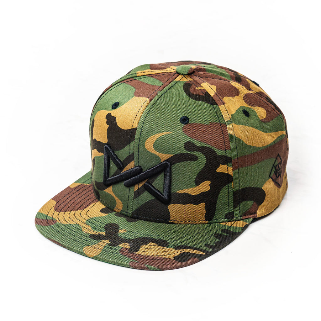 Classic snapback black on camo