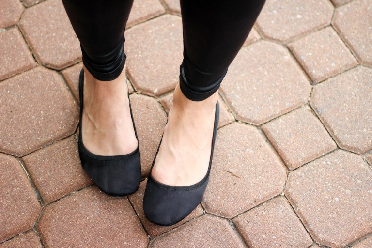 Black Satin foldable flats – Fit In Clouds