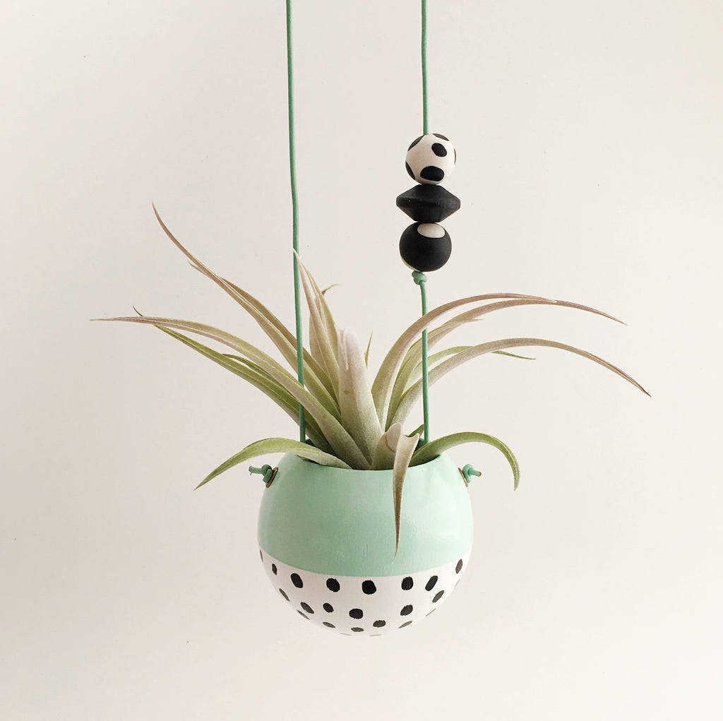 Mini Hanging Planter // Mint + White Black Speckle