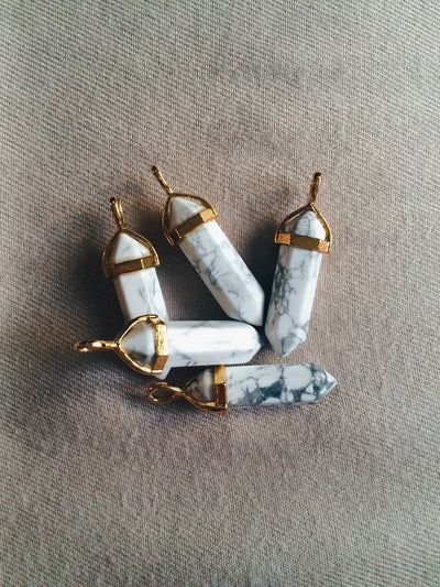 Howlite Gold Crystal Necklace - Dream Closet