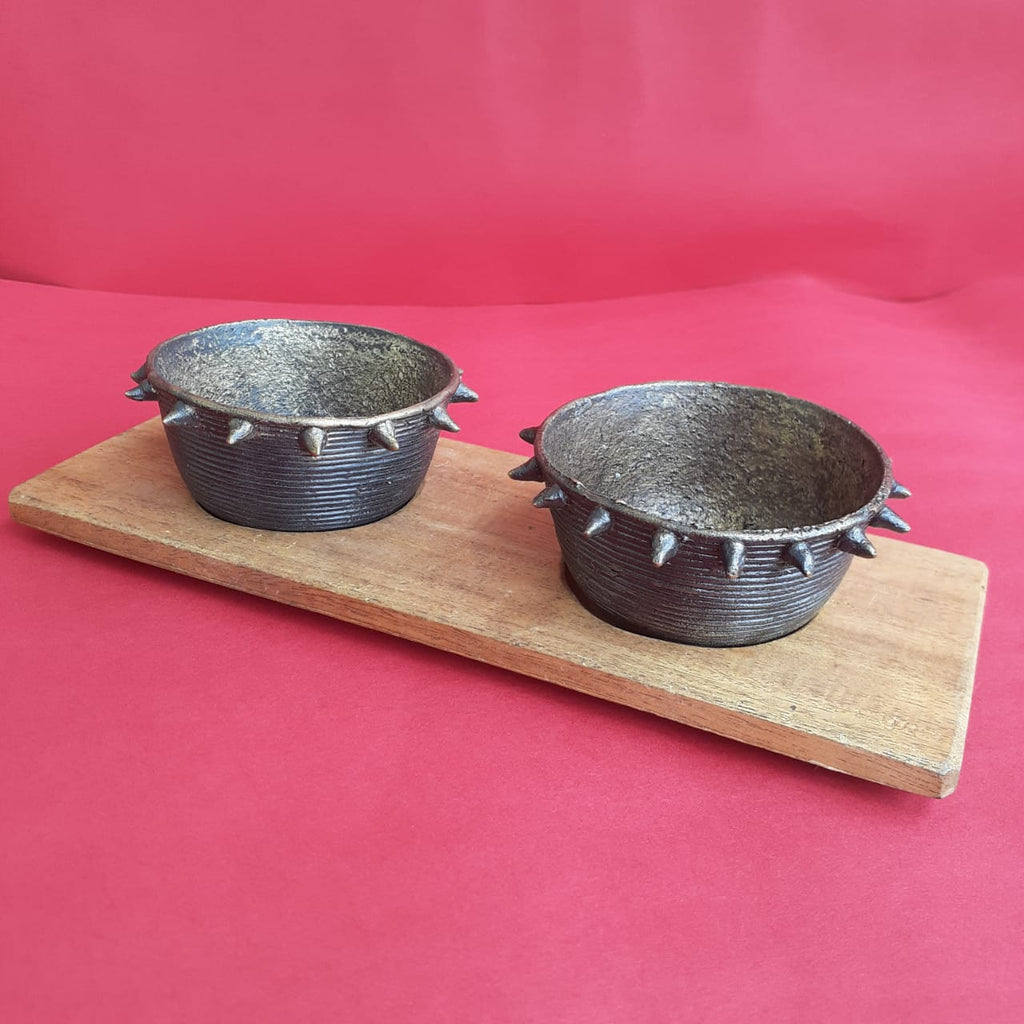 Dhokra Condiment Bowls With Tray