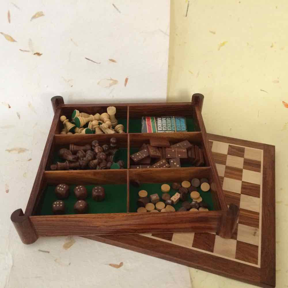 5-in-1 Games - Chess Backgammon, Dice, Domino & Playing Cards
