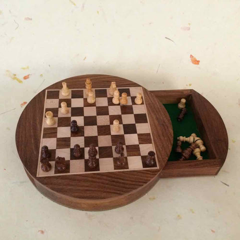 Round Magnetic Chess Set With Drawer