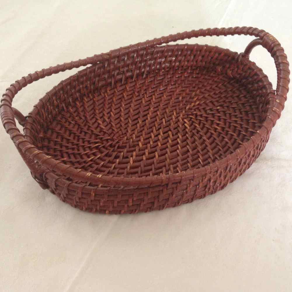 Oval Tray With Top Handle Medium