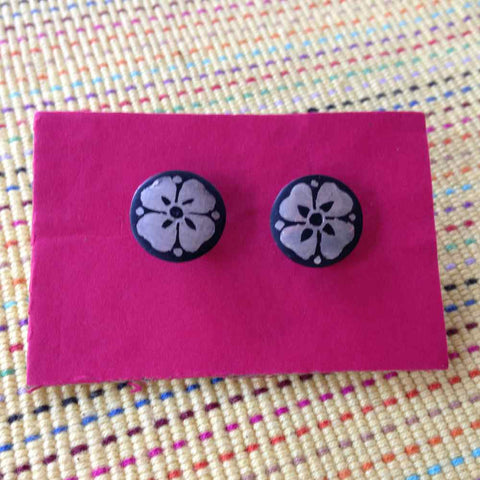 Bidri Cufflinks Round With Floral Work