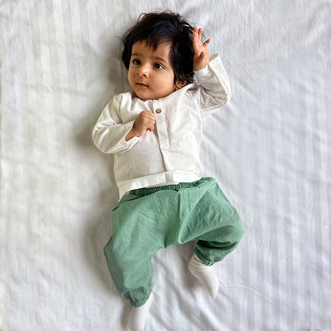 KIDS UNISEX ORGANIC ESSENTIAL WHITE KURTA + MINT PANTS