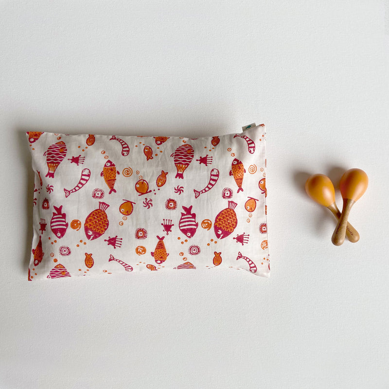 KIDS GIFT SET - ORGANIC FISH PRINT KAPOK PILLOW +  MARACAS