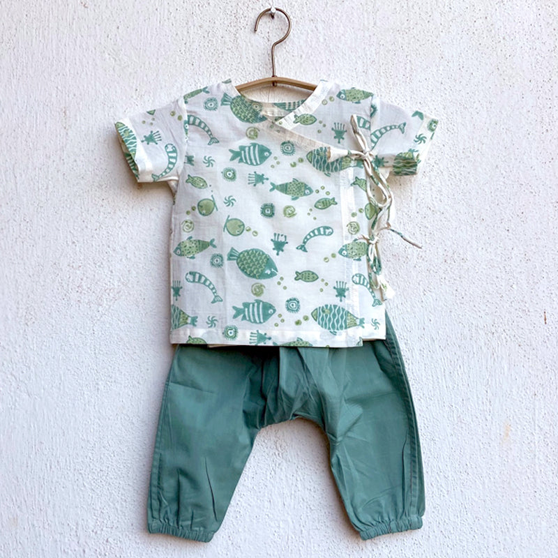 KIDS UNISEX ORGANIC FISH PRINT ANGARAKHA TOP + MINT PANTS