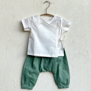 KIDS UNISEX ORGANIC ESSENTIAL WHITE ANGRAKHA TOP + MINT PANTS