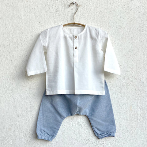 KIDS UNISEX ORGANIC ESSENTIAL WHITE KURTA + BLUE CHAMBRAY PANTS