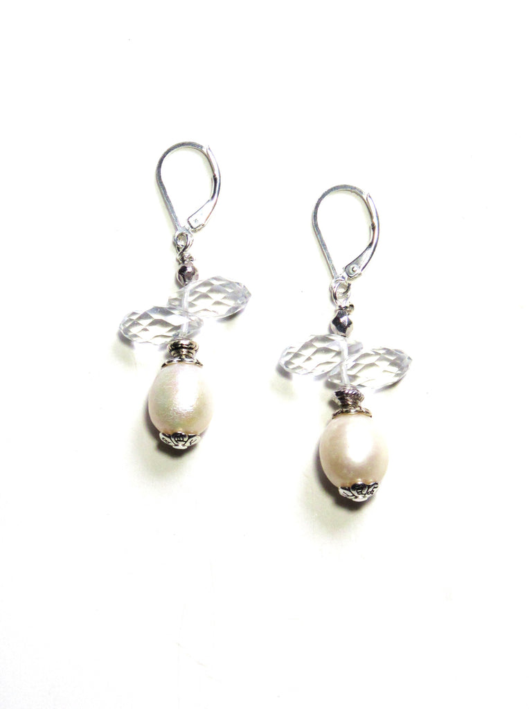 Mystique Pearl Earrings